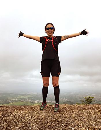 Corredora Karina Kabreira tem estreia em maratona adiada por trombose