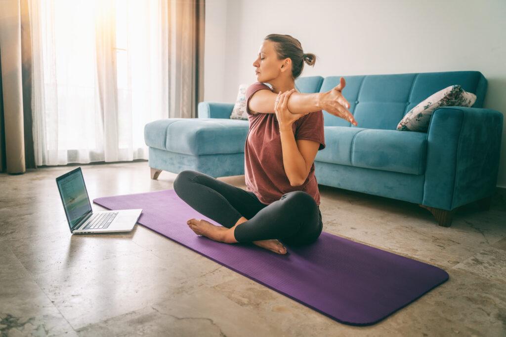 Conheça os diferentes tipos de yoga.