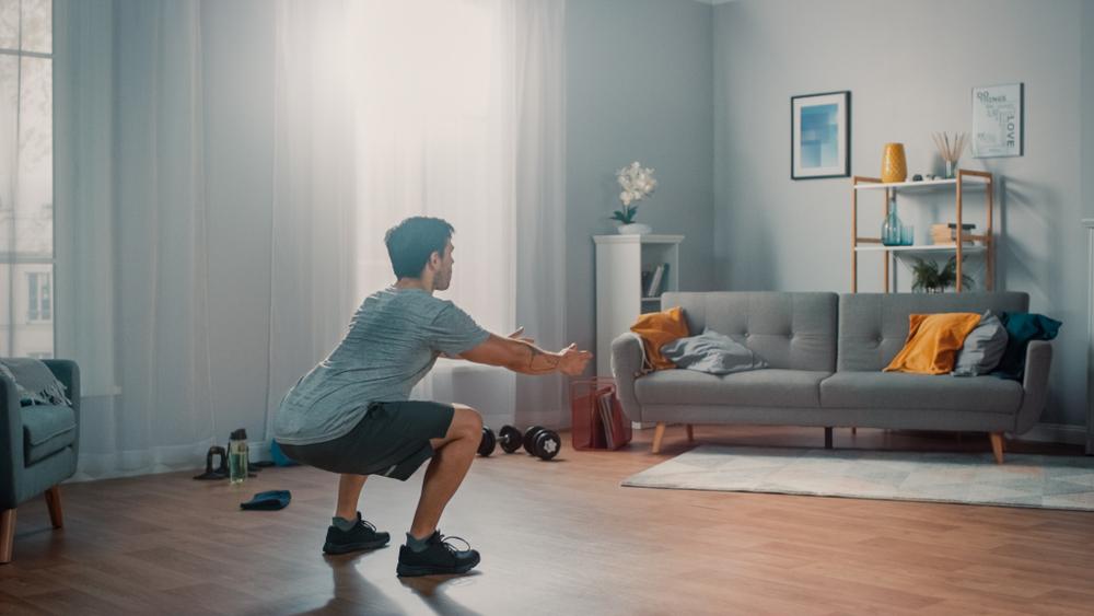 Agachamento para fortalecer as pernas